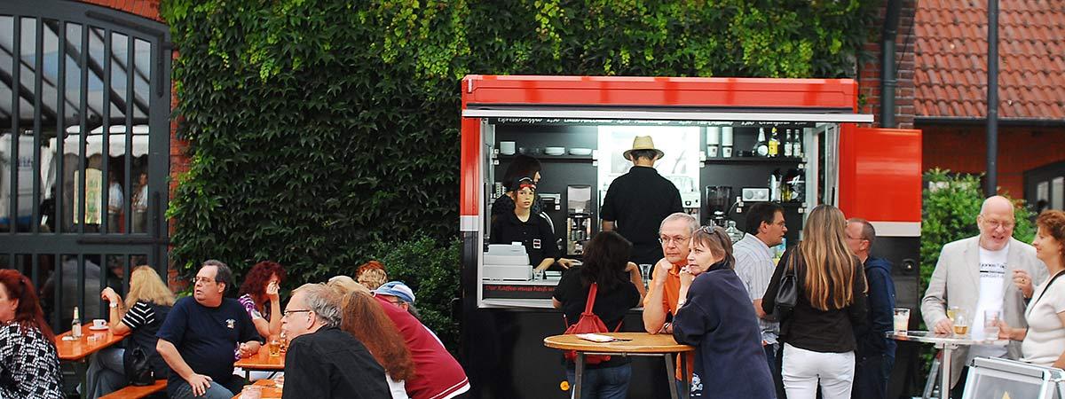 Ta tazza Wagen auf einem Freiluft-Event